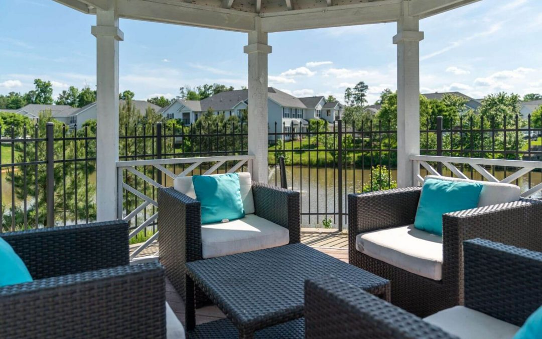 5 Simple Ways to Update Your Patio Decor